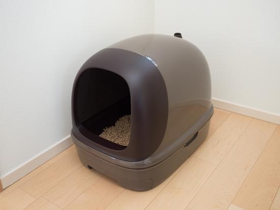 猫の壁つきトイレの写真