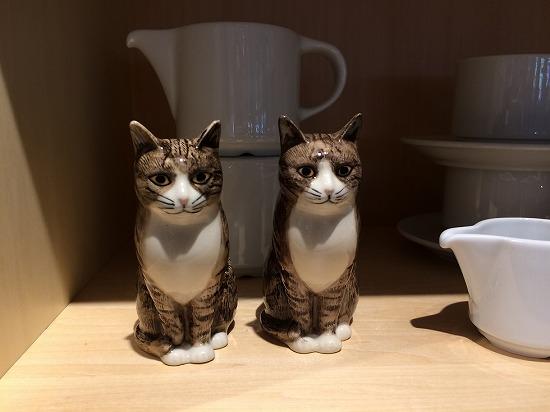 2匹の猫オブジェ