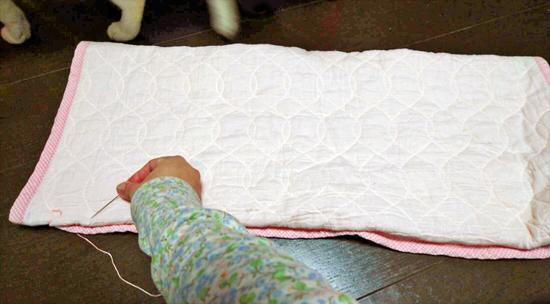 寝袋型の猫用ベッドの作り方1